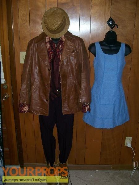 Alice original movie costume
