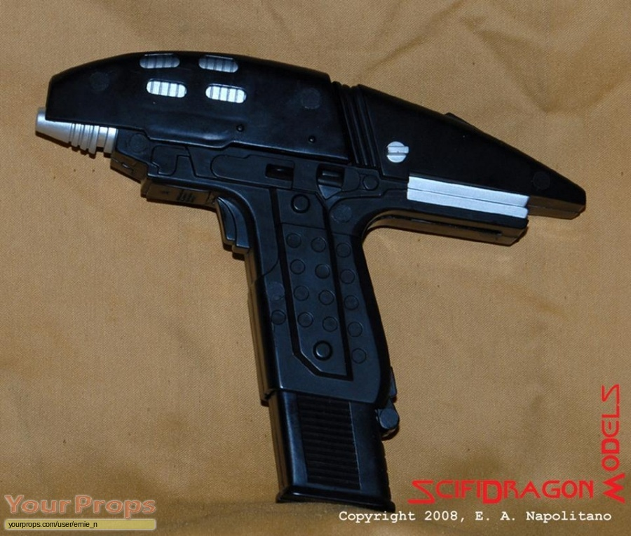 Star Trek V  The Final Frontier replica movie prop weapon