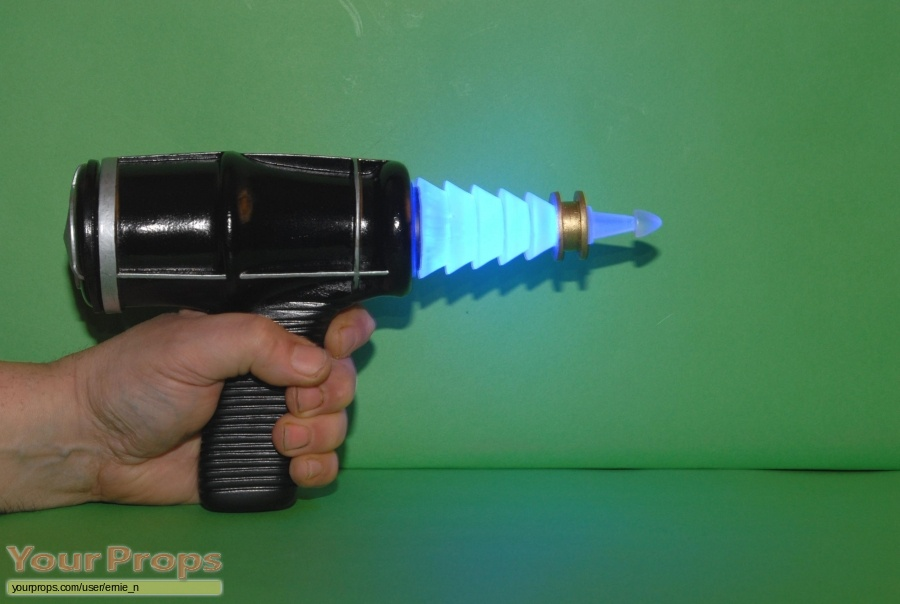 Forbidden Planet replica movie prop weapon