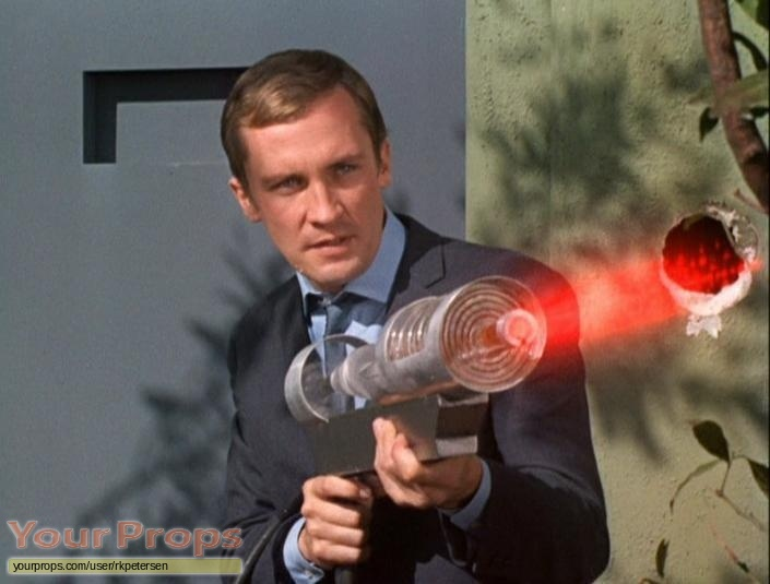 The Invaders replica movie prop weapon