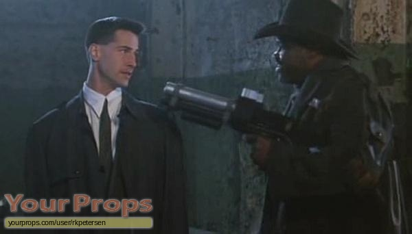 Johnny Mnemonic original movie prop weapon