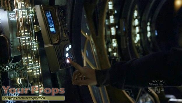 Stargate Universe  SGU original set dressing   pieces