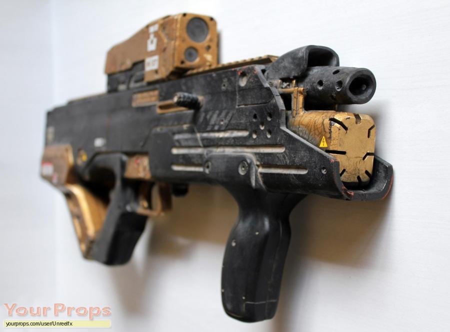 Elysium original movie prop weapon