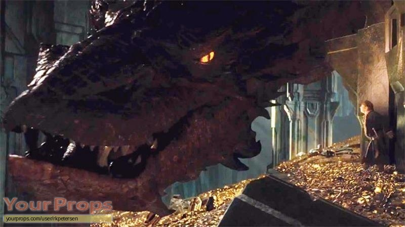 The Hobbit: The Desolation of Smaug Smaug Treasure Horde ...