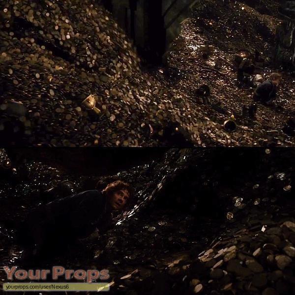 The Hobbit  The Desolation of Smaug replica set dressing   pieces