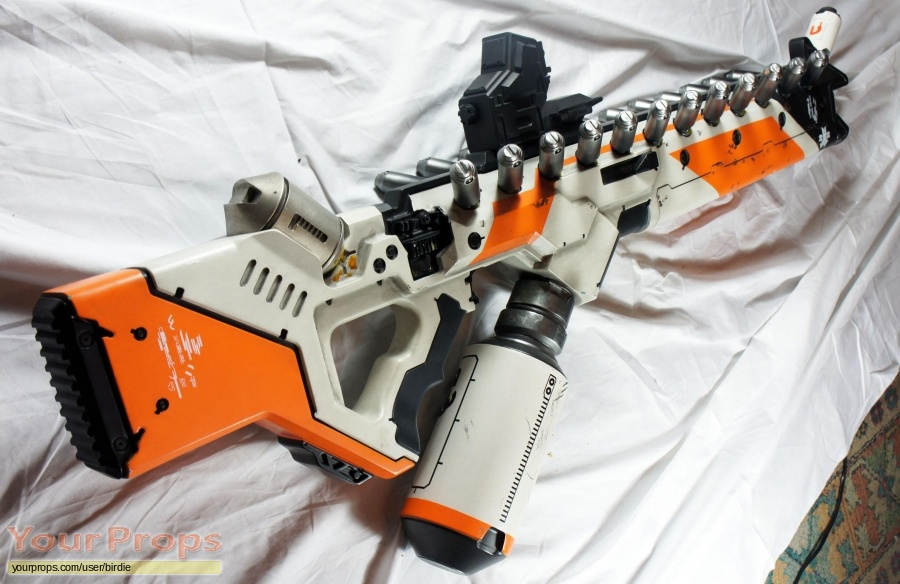 District 9 replica movie prop weapon