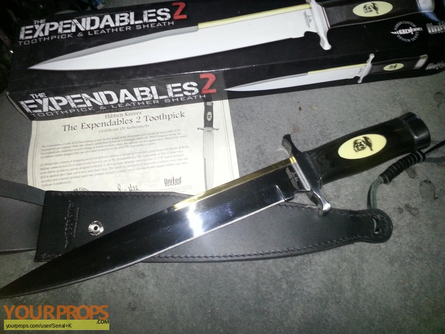 The Expendables 2 United Cutlery movie prop weapon