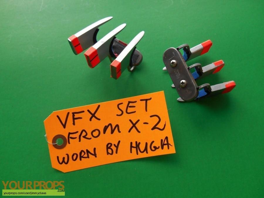 X2  X-Men United original movie prop weapon
