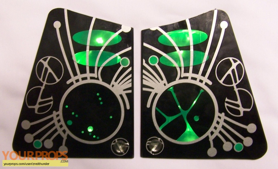 Star Trek  Nemesis original set dressing   pieces