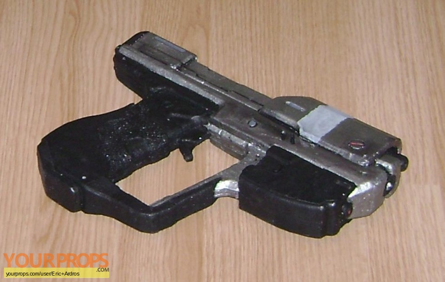 Halo 4 (video game) replica movie prop weapon