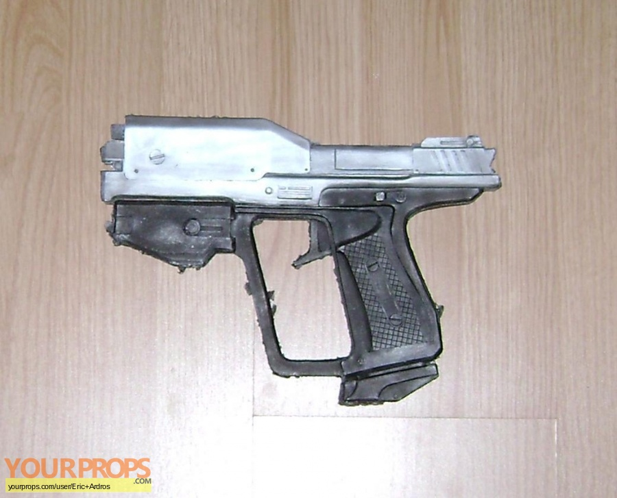 Halo (video game) replica movie prop weapon
