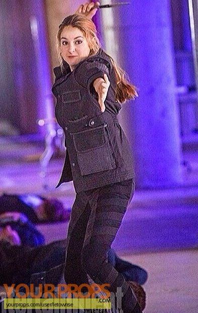 Divergent original movie prop weapon