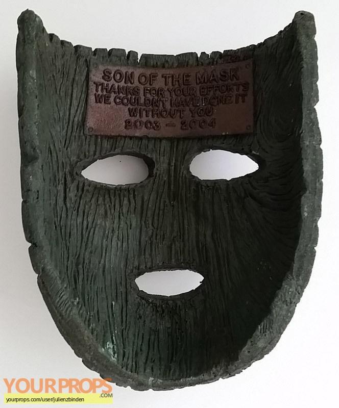 Son of the Mask original film-crew items