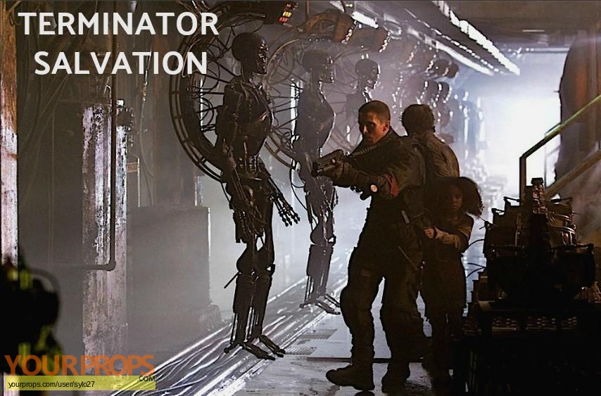 Terminator Salvation original set dressing   pieces