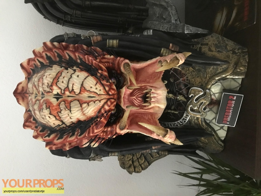 Predator 2 Sideshow Collectibles movie prop