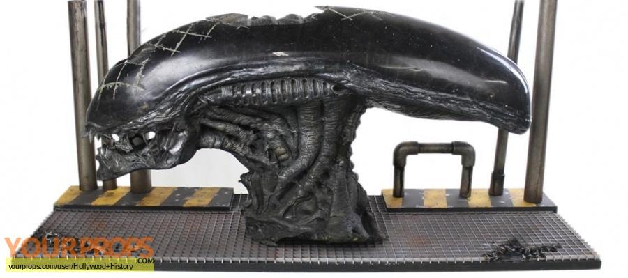 Alien vs  Predator original movie costume