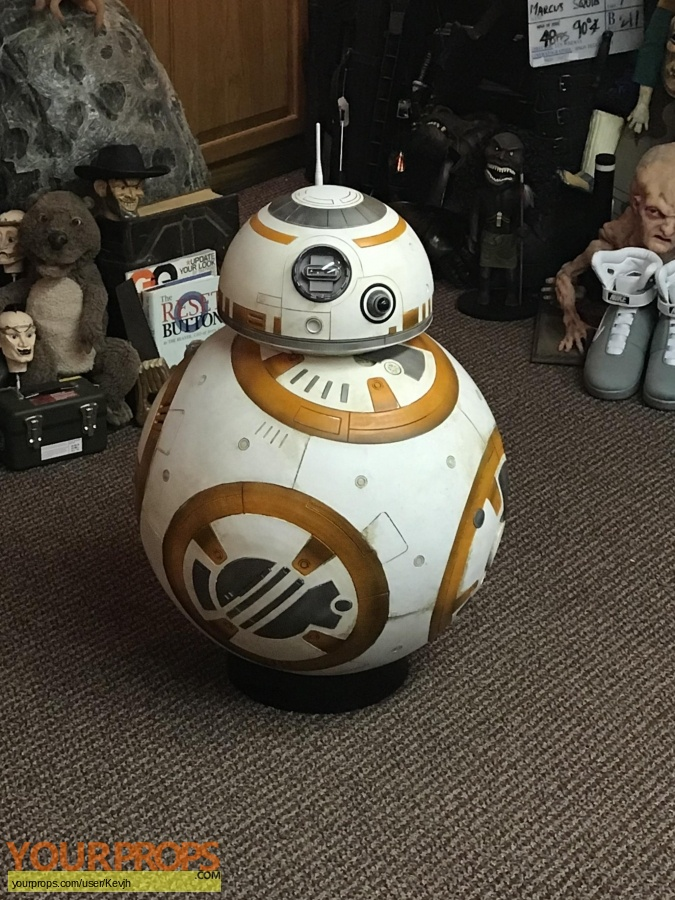 Star Wars  The Force Awakens replica movie prop