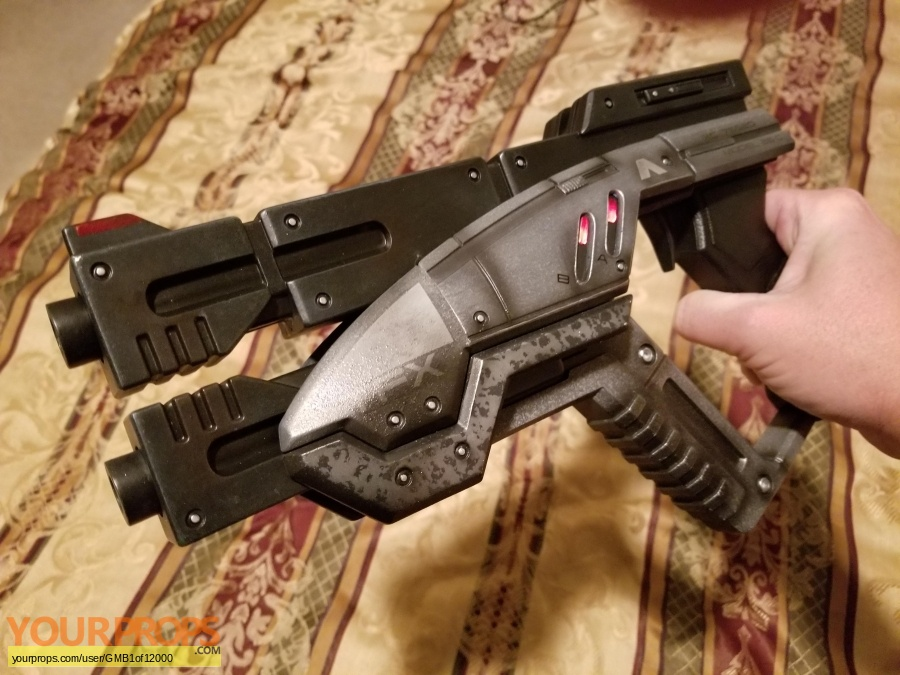 Mass Effect replica movie prop weapon
