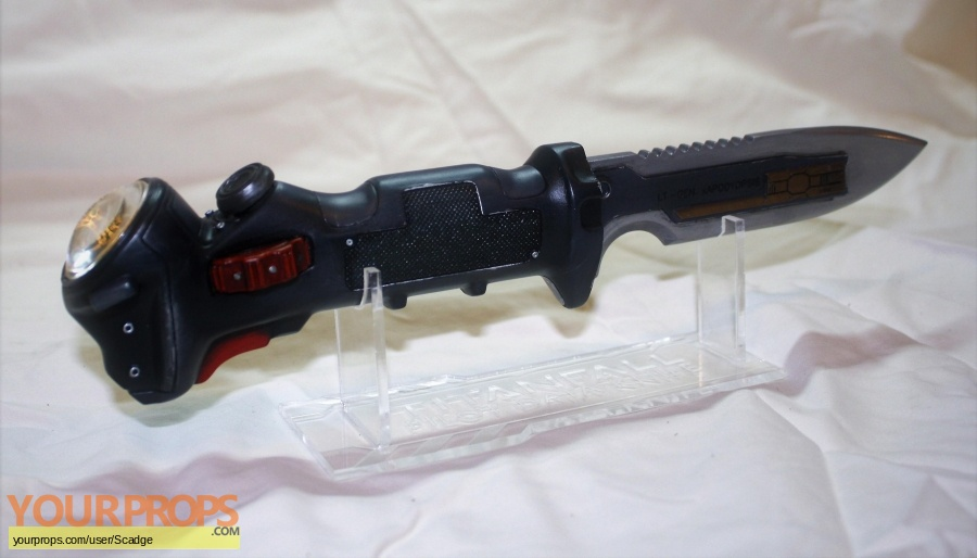 Titan Fall made from scratch movie prop weapon