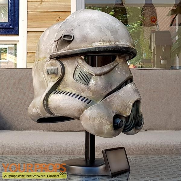 Solo  A Star Wars Story replica movie prop