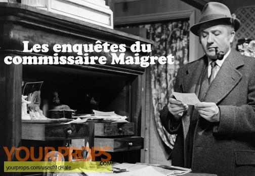 Les Enquetes du Commissaire Maigret replica movie prop