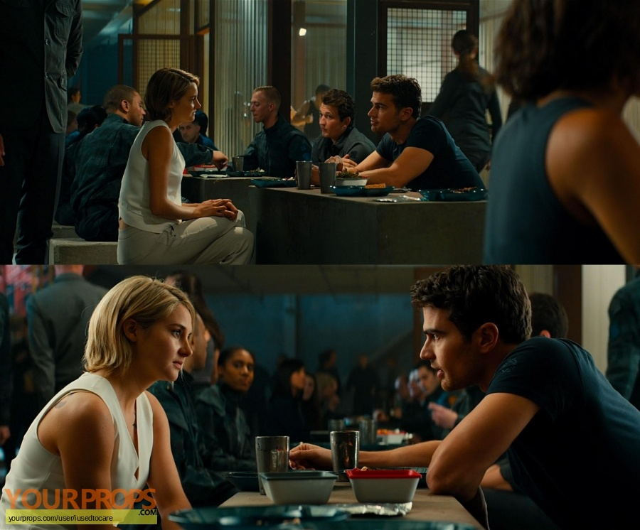 Allegiant original movie costume
