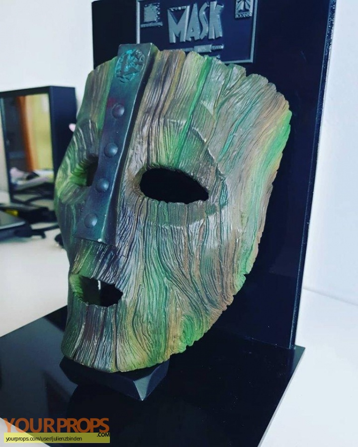 The Mask Icons Replicas movie prop