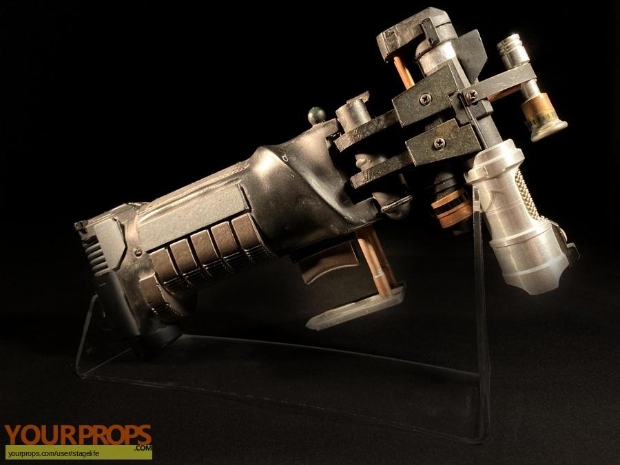 Star Trek  Generations original movie prop weapon