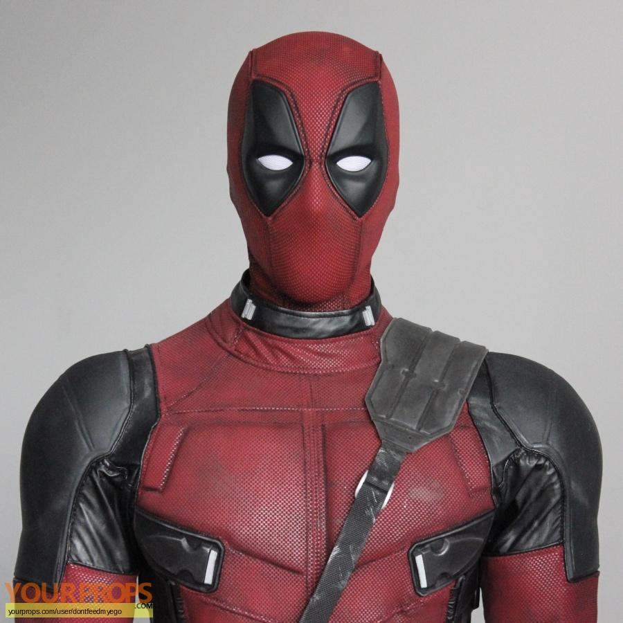 Deadpool 2 replica movie costume