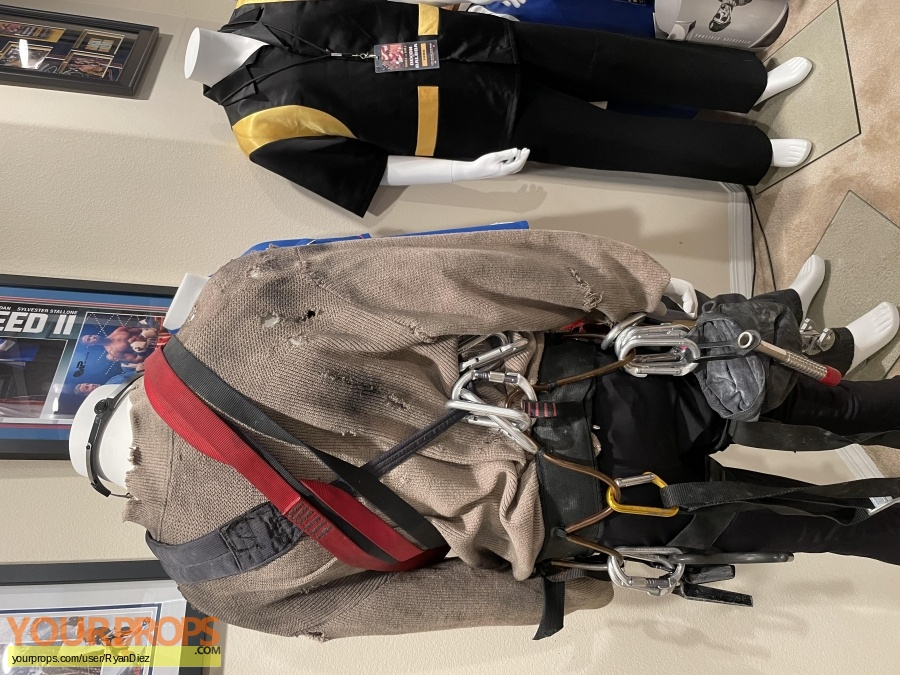 Cliffhanger original movie costume