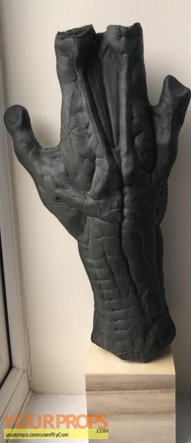 Alien vs  Predator original production material