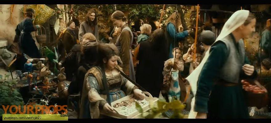 The Hobbit  An Unexpected Journey original set dressing   pieces