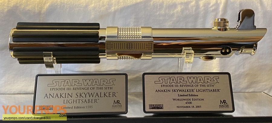 Star Wars Episode 3  Revenge of the Sith Master Replicas movie prop