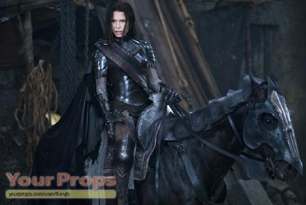 Underworld: Rise of the Lycans Set of Sonja's Knee Armor ...