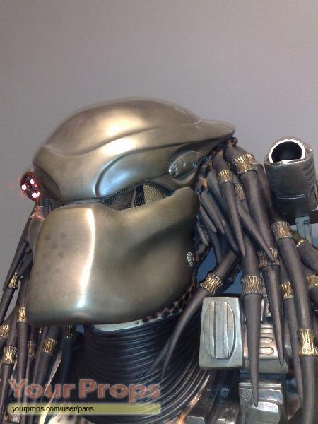 Predator Hcg Predator Lifesize Bio Helmet With Trophy Wall