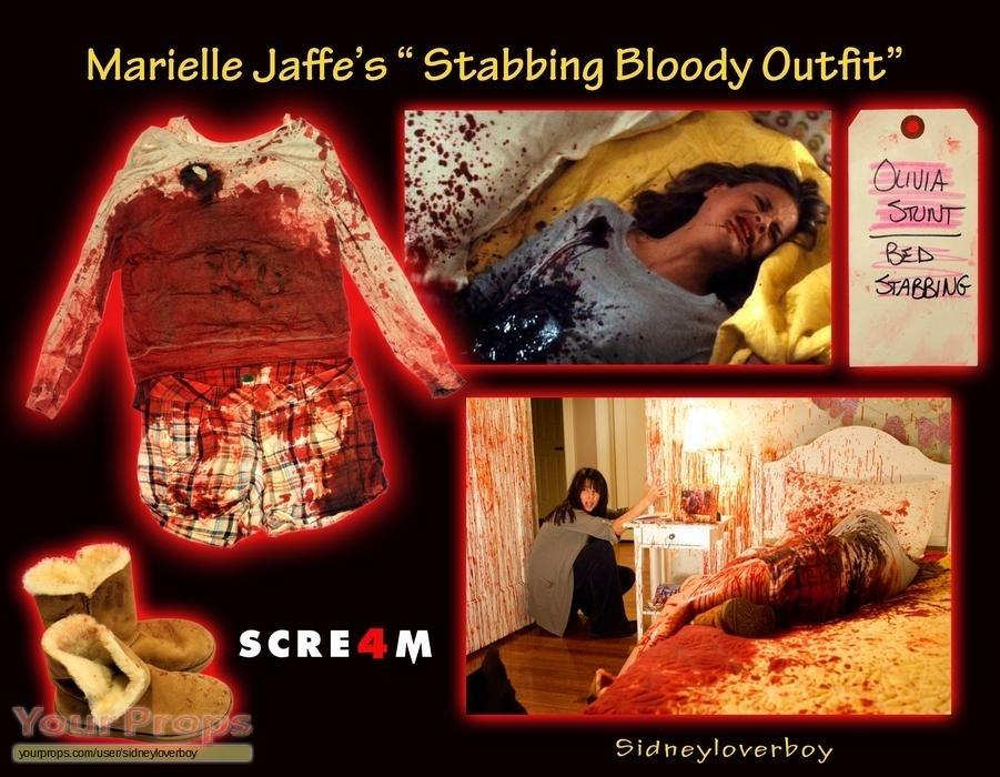 Scream 4 / Scre4m Olivia's (Marielle Jaffe) - Stabbing