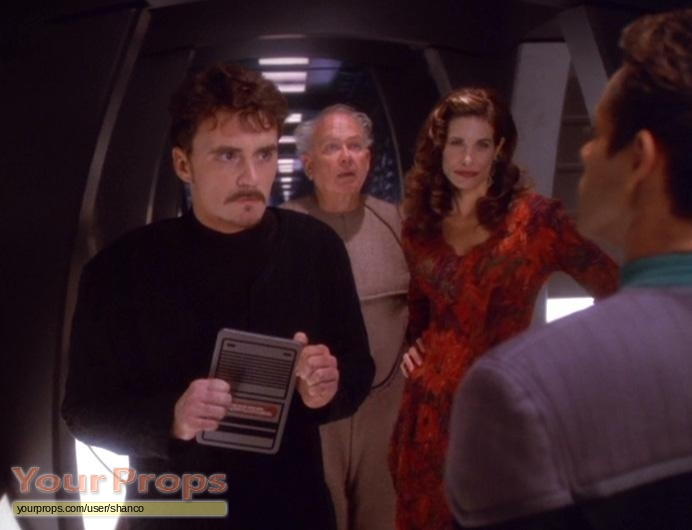 Star-Trek-Deep-Space-Nine--Statistical-Probabilities-Producer-s-Video-Roddenberry-copy-3.jpg