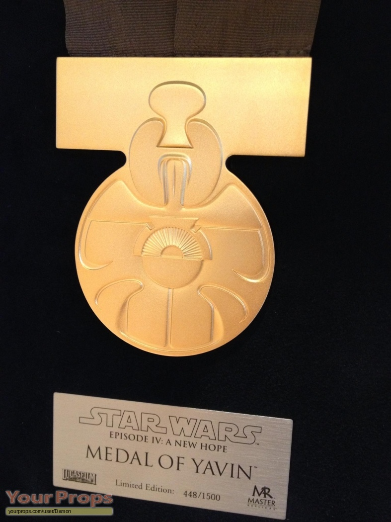 A New American Girl Doll Debuts: Star Wars: A New Hope Medal Of Yavin Master Replicas