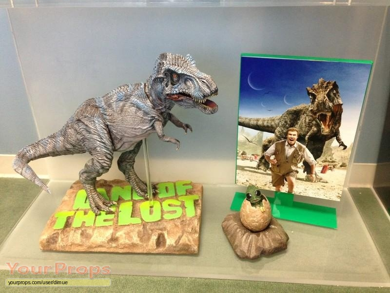 Land of the lost t rex painted cgi stand in maquette for Maquette stand