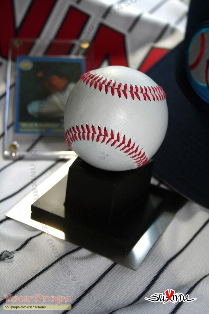 Star Trek Deep Space Nine Sisko S Baseball And Stand