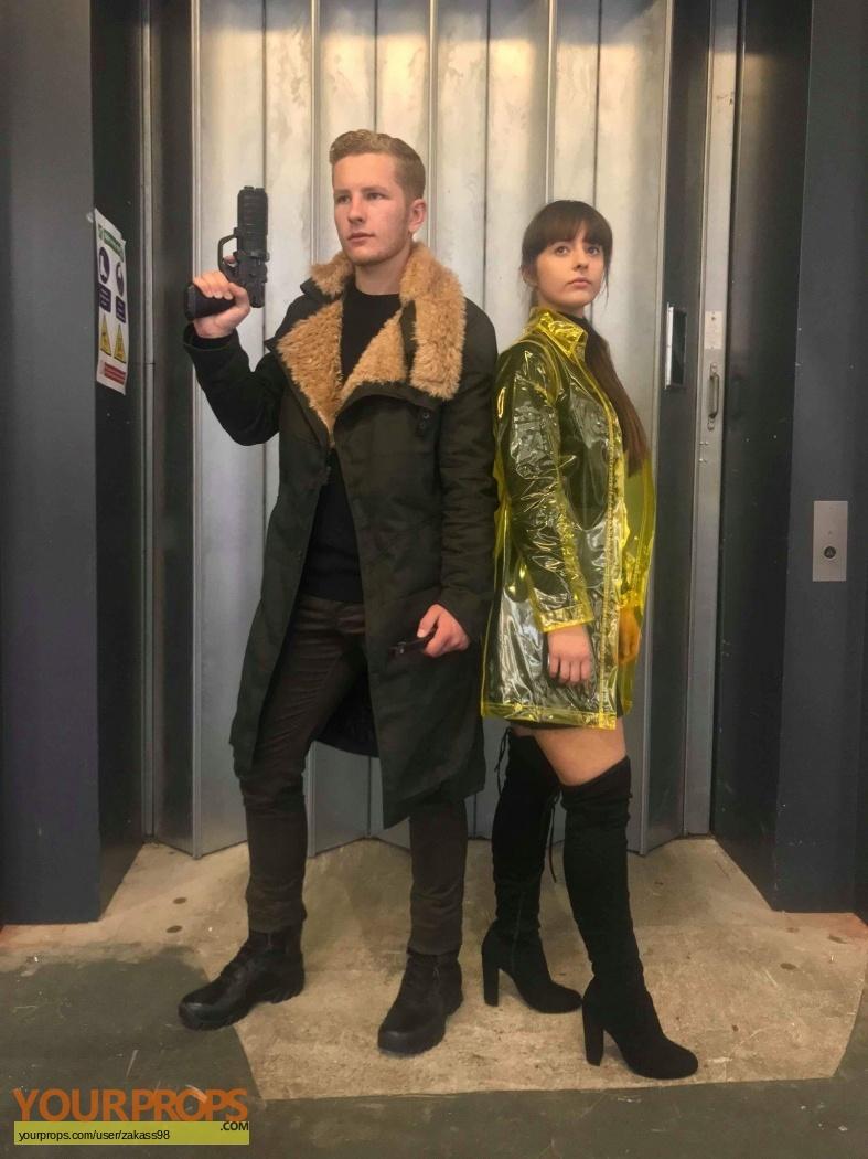 Blade Runner 2049 Officer K Ryan Gosling And Joi Blade