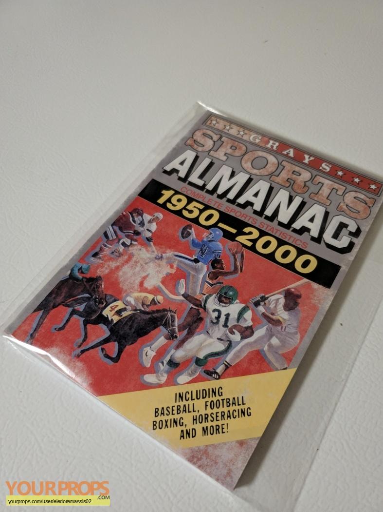 Back-To-The-Future-2-Alt-1985-Almanac-1.jpg