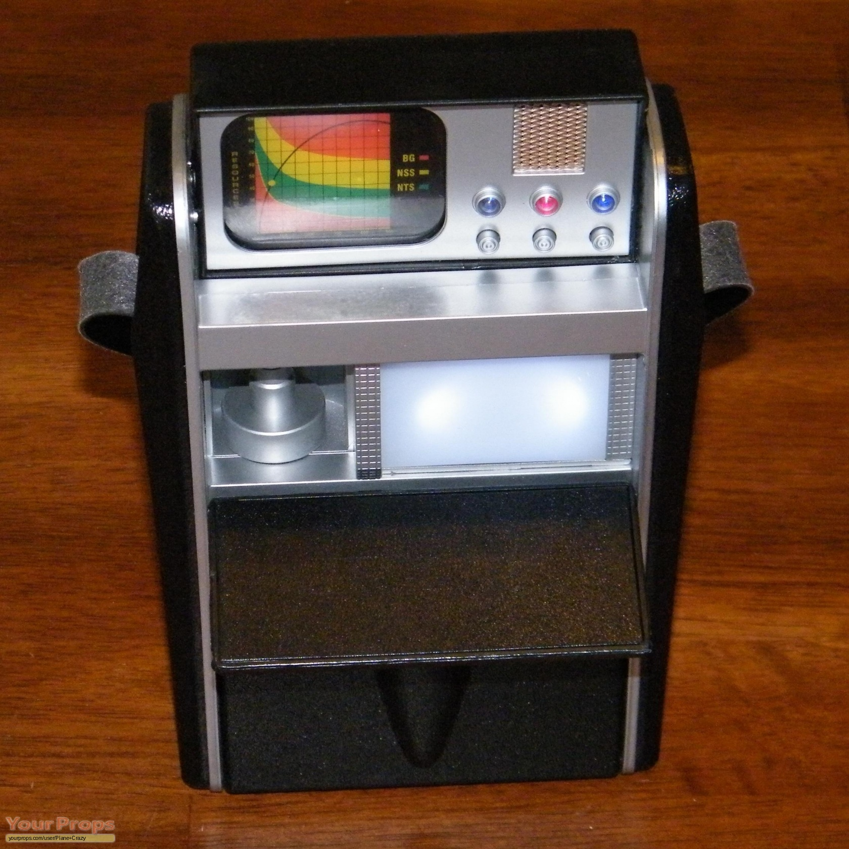 how to make a tricorder prop
