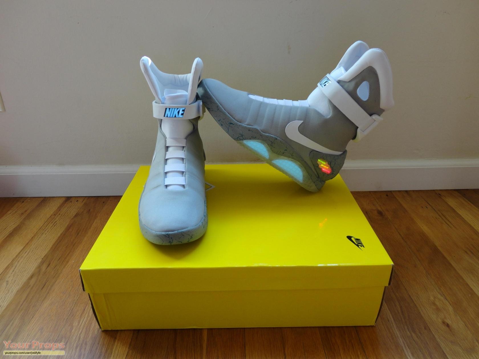 Nike Mag Replica
