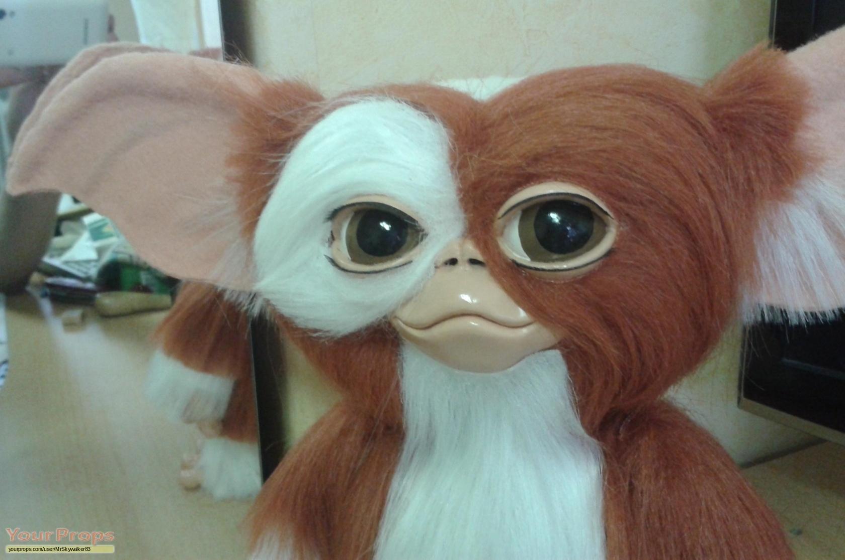 Gremlins 2: The New Batch Gizmo Gremlins replica movie prop