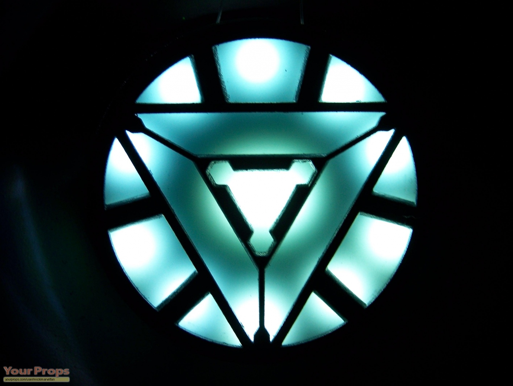 The gallery for --> Iron Man Chest Piece Triangle