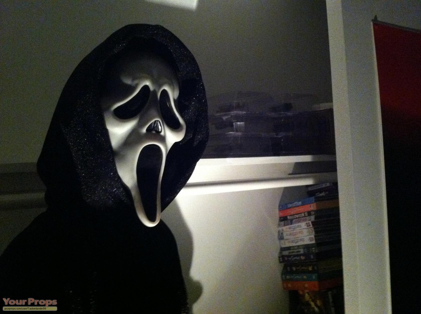 Scream 3 Ghostface Killer Lifesize replica movie costume