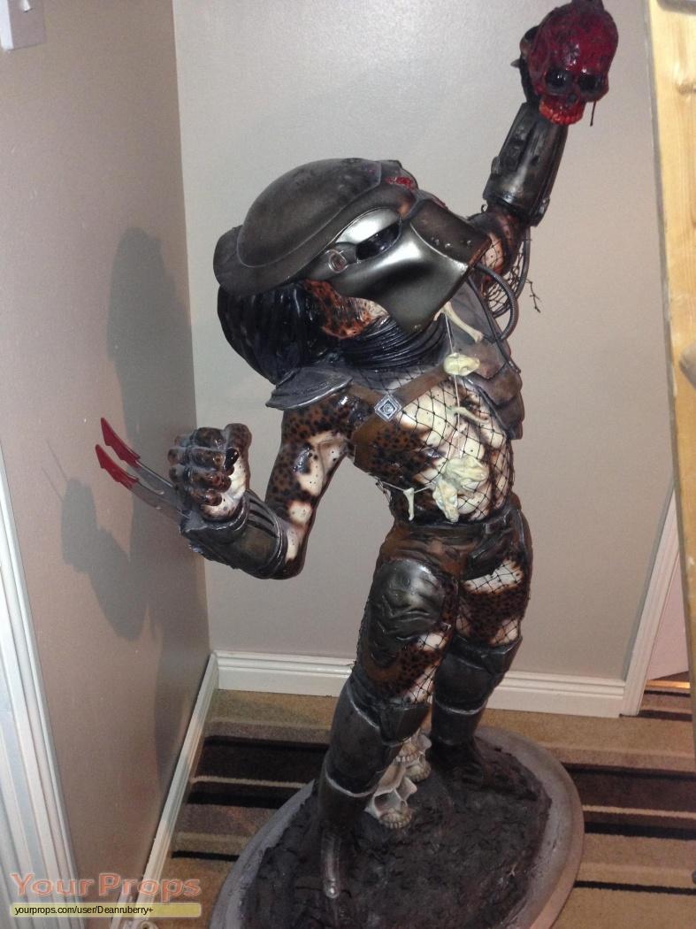 Predator original 1987 Predator movie premier statue made ...