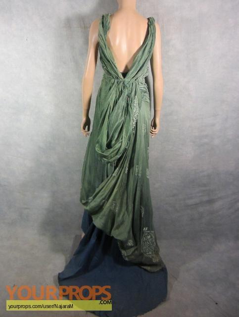 Spartacus: Gods of the Arena Gaia's EP1 gown original TV ...
