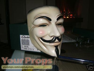 Masque V pour Vendetta [restauration] Norm-45b7e6c761cba-V+for+Vendetta+%282005%29